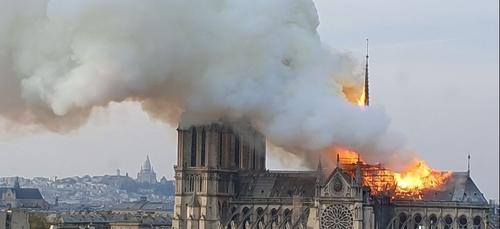 Notre-Dame : Netflix dévoile le casting de la série sur l'incendie...