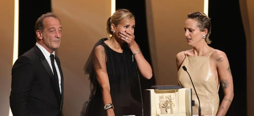 Festival de Cannes : la Palme d'or décernée à Julia Ducournau (Vidéo)