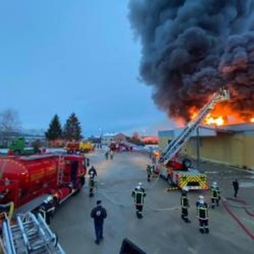 Violent incendie en cours