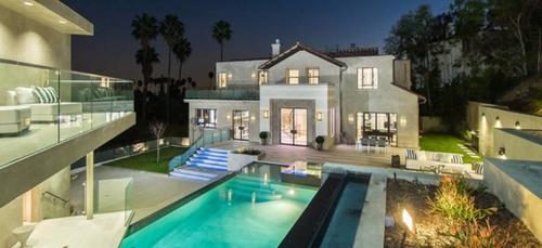 Rihanna a un nouveau toit