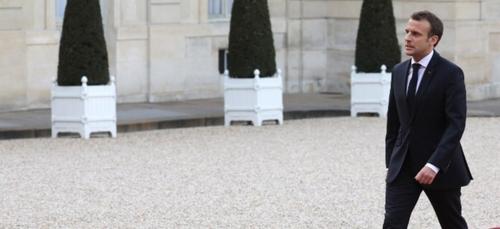Musée Grévin : Découvrez la statue (presque) réussie d'Emmanuel...