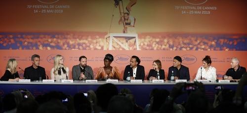 Moment d'émotion à Cannes, avec Angèle