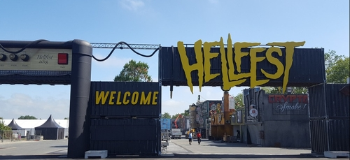 Du homard-frites au Hellfest