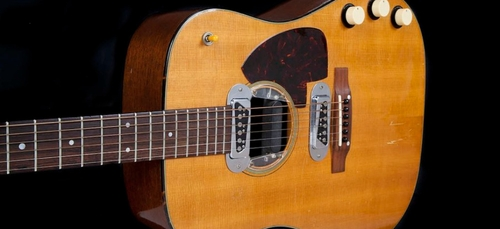 Record : la guitare de Kurt Cobain vendue 6 millions de dollars