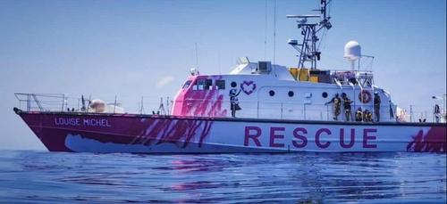 Banksy a financé et peint un navire de sauvetage en Méditerranée