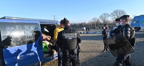 Fin de la rave-party à Lieuron : des gardes à vue et 1 600 infractions