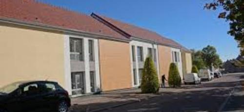 La Résidence Accueil de St Apollinaire signe ce lundi un...