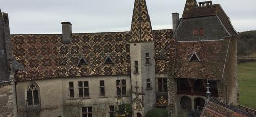 Le propriétaire du chateau de la Rochepot arreté