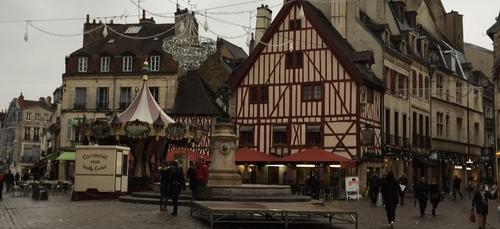 Rassemblement prévu place François Rude ce mardi contre...