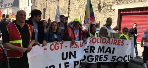 Environ 2000 manifestants à Dijon pour le 1er mai
