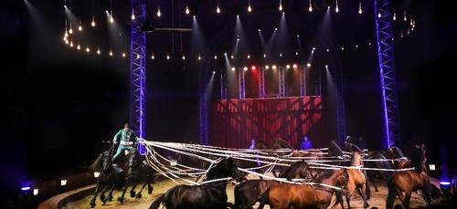 Le cirque Gruss s'est installé au Zénith