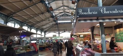 Les Halles de Dijon accueillent le marché de la truffe