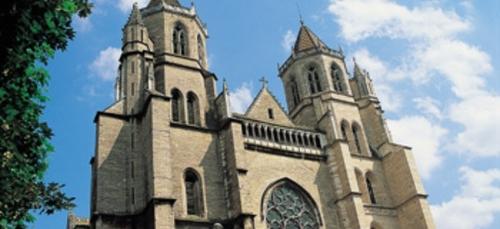 Des travaux urgents pour sécuriser la flèche de Saint-Bénigne