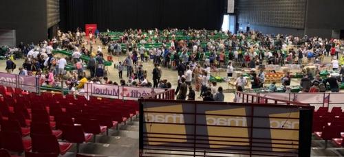 2 725 visiteurs sont venu cette année à la braderie solidaire du...