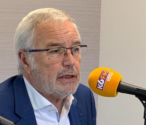 François Rebsamen apporte son soutien aux sapeurs-pompiers de Côte...