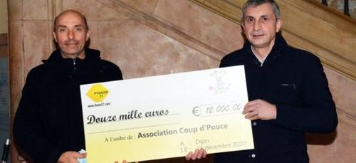 Un chèque de 12 000 euros pour les enfants atteints d'un cancer