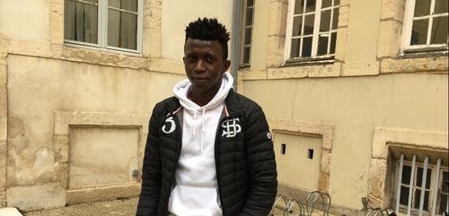 La demande de Mohamed, le lycéen des Arcades menacé d'expulsion,...