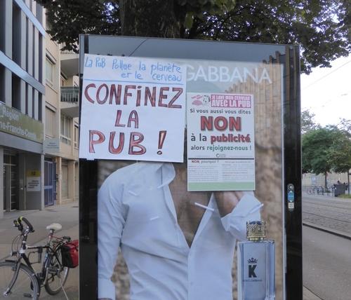 Affichage publicitaire à Dijon : l'association « les amis de la...