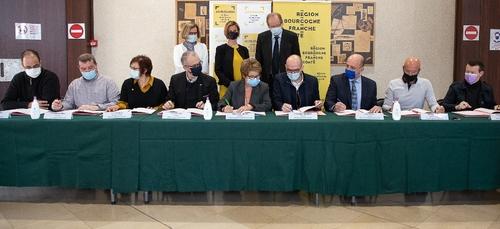 Le conseil régional signe une charte pour les aides financières...