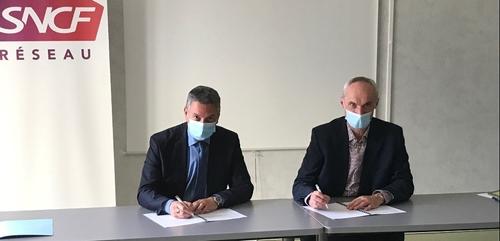 Signature d'un partenariat pour une meilleure régularité des trains...