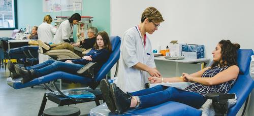 Don du sang : le nombre de donneurs en baisse, l'Etablissement...