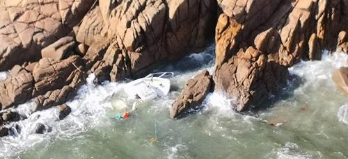 Un pêche promenade s'est échoué et a coulé à Port-Manech à Névez (29).