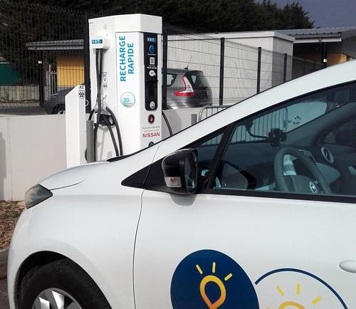 Circuler en voiture électrique, c'est de plus en plus facile