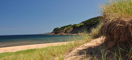 Il ne faut pas ramasser de déchets sur la plage de Penloch à Trégunc.