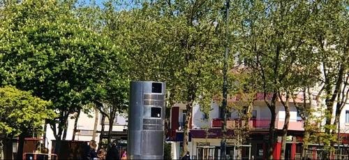 Etrange cylindre au centre ville à Lorient.