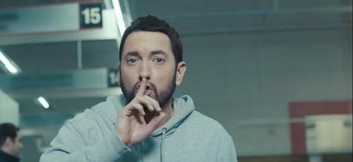 """Eminem  : le clip de """"Godzilla"""" !"""