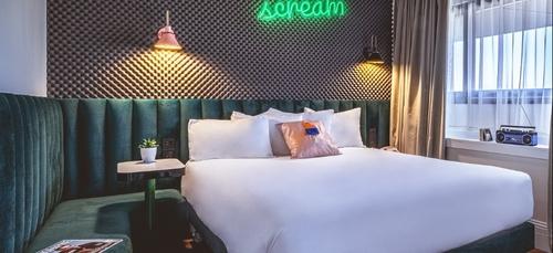GAGNE TA NUIT DE LA FETE DE LA MUSIQUE AU REMIX HOTEL A PARIS