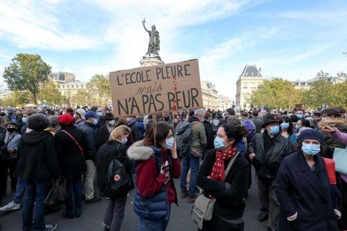 Conflans-Sainte-Honorine : les enseignants ultramarins de région...