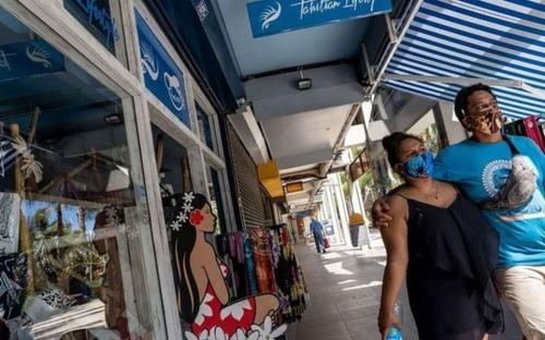 Coronavirus : la Polynésie refuse le confinement malgré une...