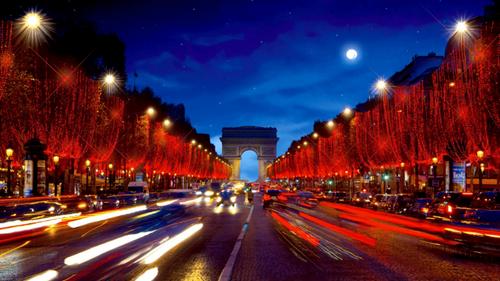 Les illuminations de Noël des Champs Elysées de retour… en ligne !