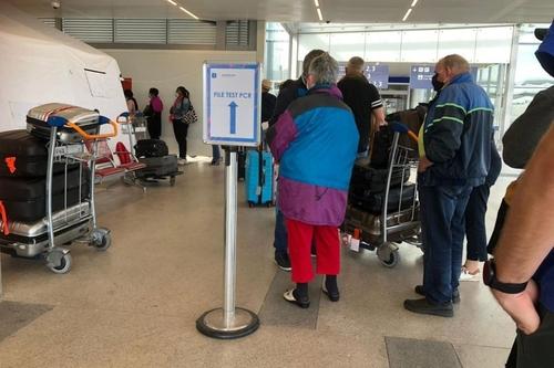 Covid-19 : les tests antigéniques sont arrivés dans les aéroports...