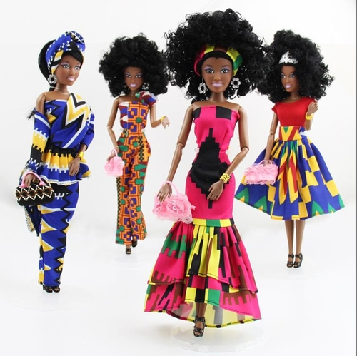 Une guadeloupéenne crée des poupées noires pour «transmettre...