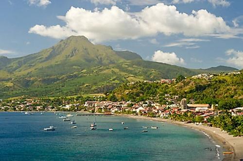 Un réveillon du 31 décembre sous couvre-feu réduit en Martinique