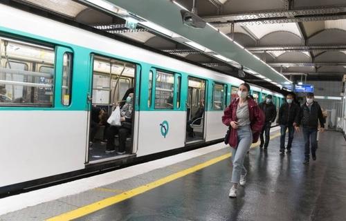 Couvre-feu : le trafic du métro parisien sera restreint la nuit du...