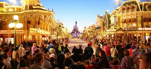 Disneyland Paris restera fermé au moins jusqu'au 2 avril