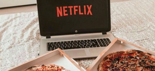 Job de rêve : Être payé pour manger des pizzas devant Netflix.