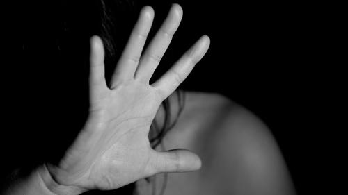 Violences contre les femmes : Darmanin annonce de nouvelles mesures