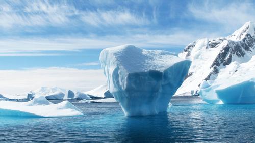 Bretagne : À 19 ans, une boulangère part travailler en Antarctique !