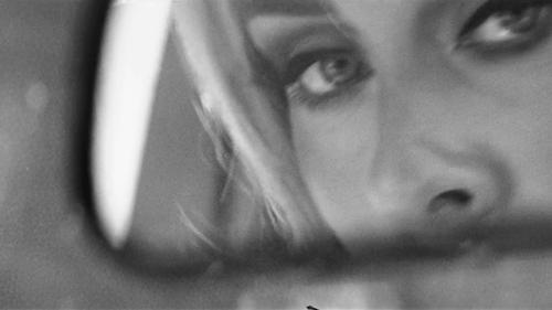 Adele est de retour et tease la sortie d'un nouveau single !