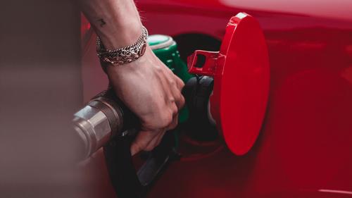 Prix du carburant : comment trouver la station essence la moins...