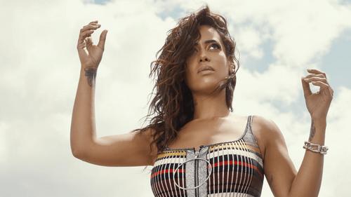 """Amel Bent dévoile son nouvel album """"Vivante"""""""