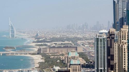 Dubaï a recours à des pluies artificielles, une vidéo...