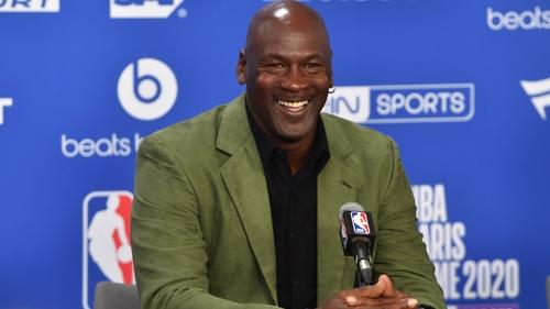 Michael Jordan : un de ses maillots historique vendu pour 1,38...