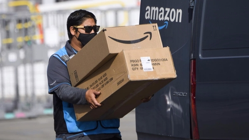 Amazon envisage de recruter des livreurs qui fument de l'herbe !