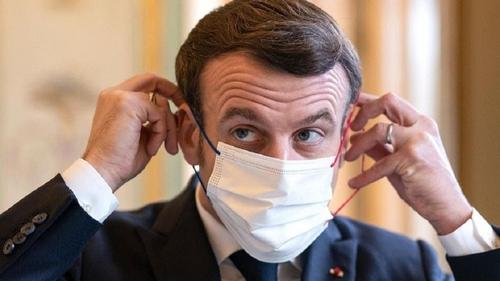Emmanuel Macron confirme que les examens auront bien lieu pour les...