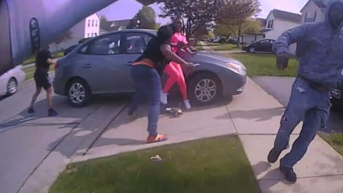 Ma'Khia Bryant : une jeune afro-américaine de 16 ans abattue par la...